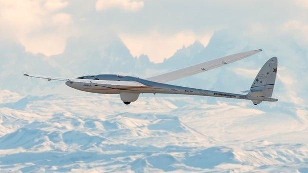 شکستن رکورد پرواز در بالاترین ارتفاع با گلایدر ایرباس +عکس