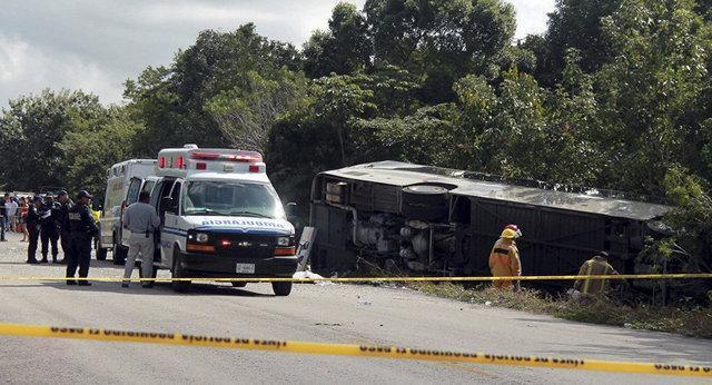 37 کشته و زخمی در تصادف زنجیره ای در مکزیک