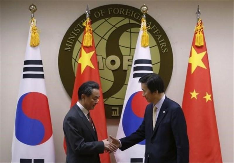 وزرای خارجه چین، کره جنوبی و ژاپن دیدار و مصاحبه کردند