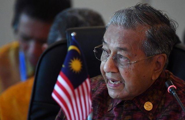 مالزی نیز خواستار رهایی از دلار شد