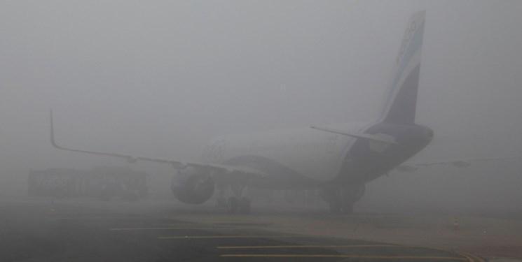 فیلم ، مه و سرمای شدید در هند برنامه پروازها و قطارها را مختل کرد