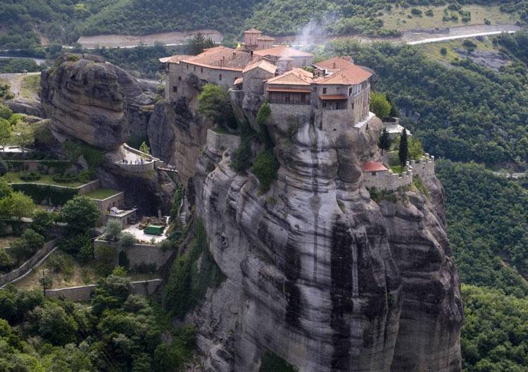 صومعه های متئورا در یونان