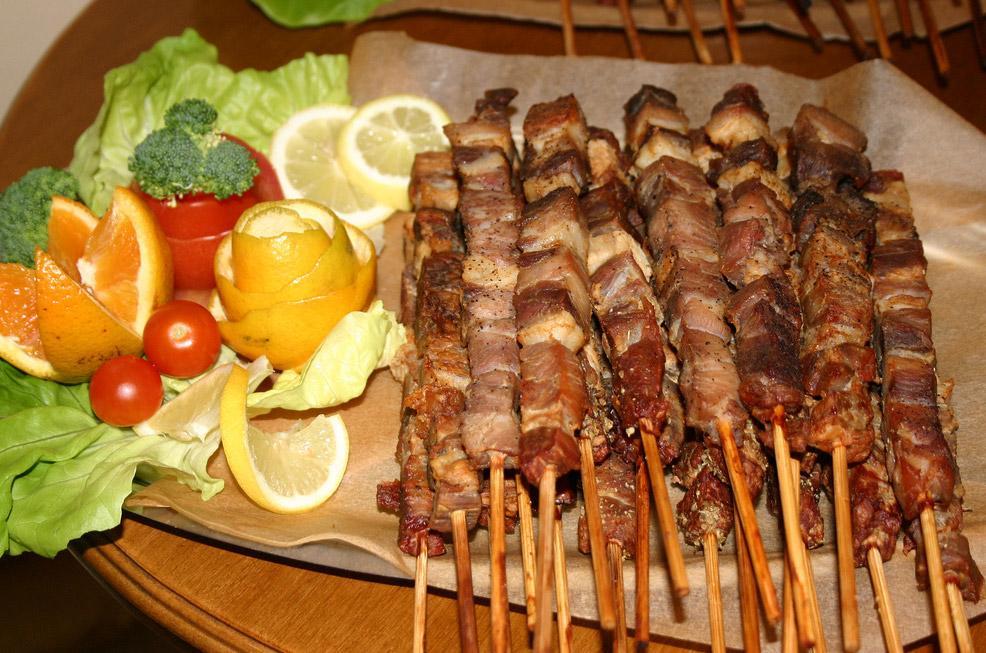 غذاهای یونانی در شهر کورفو