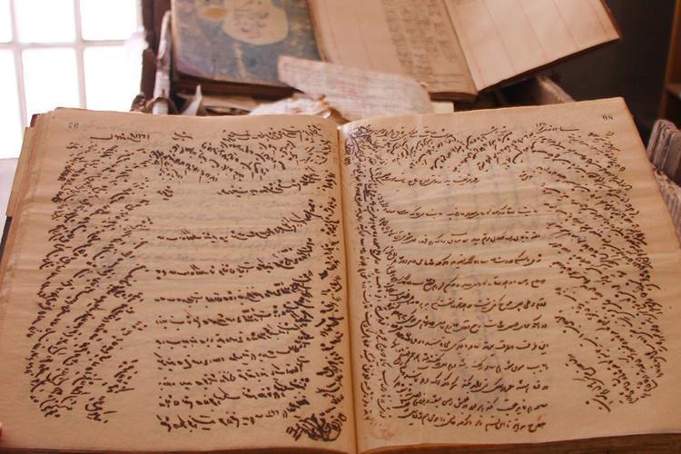 اسناد تجاری 100 سال گذشته در بازار وکیل شیراز کشف شد
