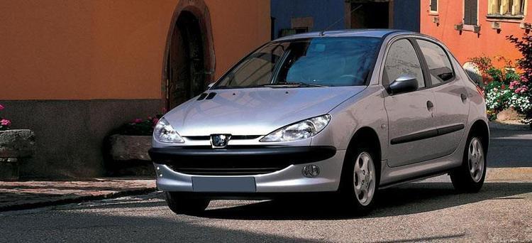 قیمت روز خودروهای سایپا و ایران خودرو؛ 206 به 118 میلیون رسید