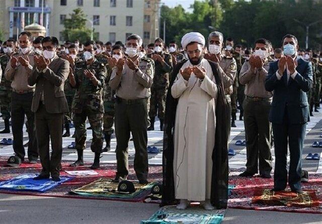 اقامه نماز ظهر عاشورا در یگانها و کوی های سازمانی ارتش