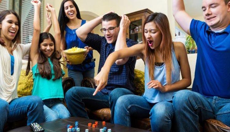 بازی های خانگی مفرح و شاد برای دورهمی و مهمانی ها