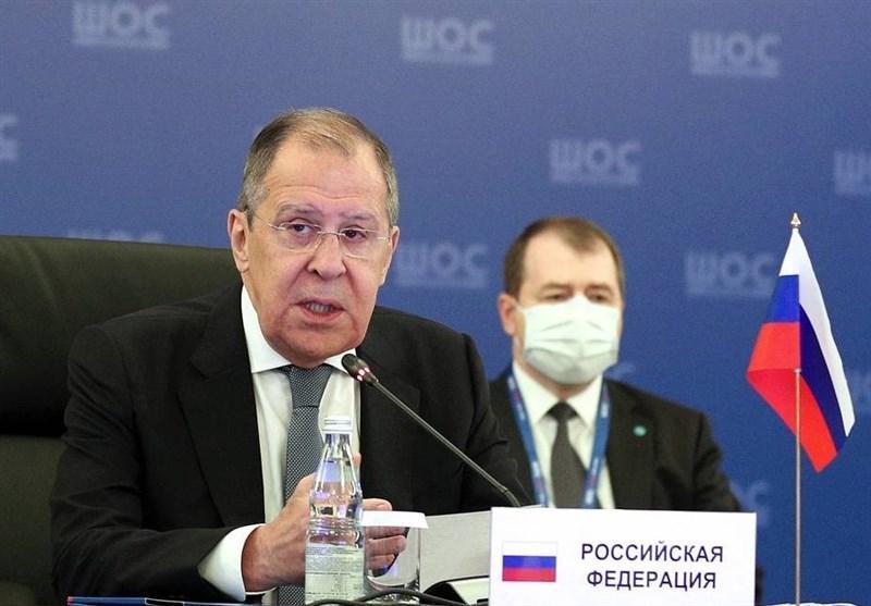 لاوروف: تبعیض علیه روس ها در بعضی کشورهای اروپایی آپارتاید قرن 21 است
