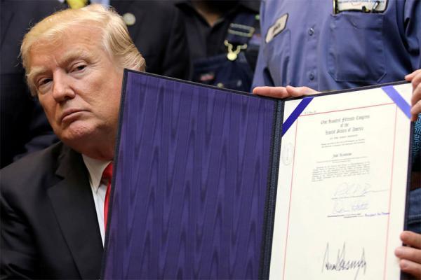 کاهش 6.5 درصدی سفر به آمریکا پس از فرمان مهاجرتی ترامپ