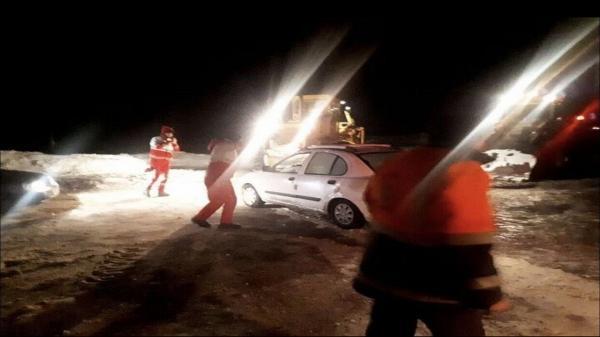 نجات جان 13حادثه دیده در دریاچه حوض سلطان قم