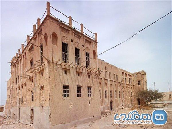 بازسازی قلعه تاریخی بندرلنگه به 400 میلیارد اعتبار احتیاج دارد