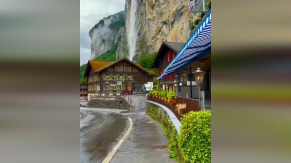 استابچ، بلندترین و زیباترین آبشار سوئیس