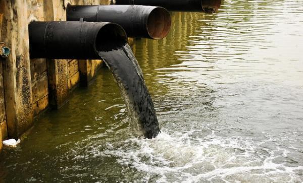 عادی شدن اختلاط آب و فاضلاب بسیار بد است